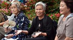 2014年日本人口负增长创下新纪录 老龄化带来经济困境