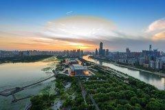 长江新城2025年常住人口达到110万,经济规模达到 2000 亿