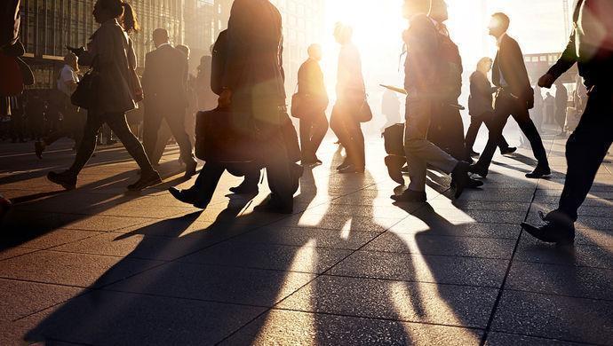 2018年北京常住人口2154.2万 比17年减少16万