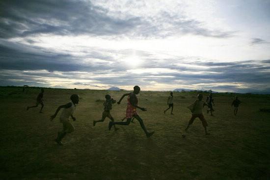 2030年南亚和撒哈拉以南非洲贫困人口3.77亿