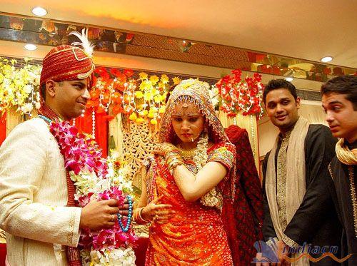 印度人穿衣特点_印度人服装