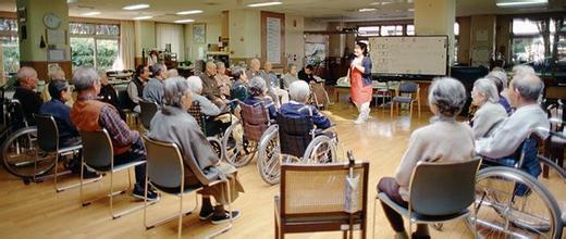 人口老龄化会给社区商业提出怎样的要求?