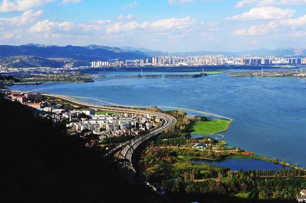 昆明市总人口数量678.3万人