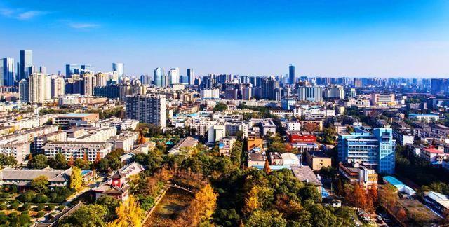 四川人口最多的10个区县,4个在成都,其余6个分布在不同的城市
