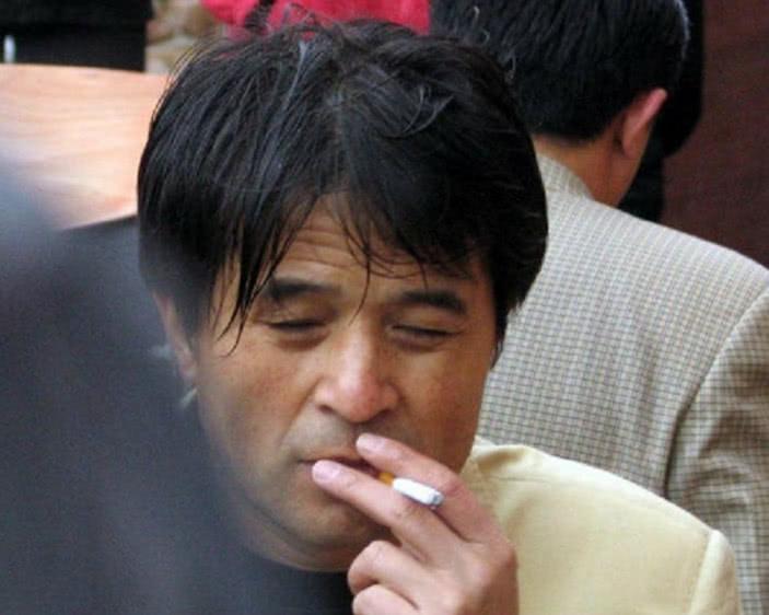 07年主持人口误_著名主持人李咏患鼻咽癌去世?刚知天命,便已谢幕