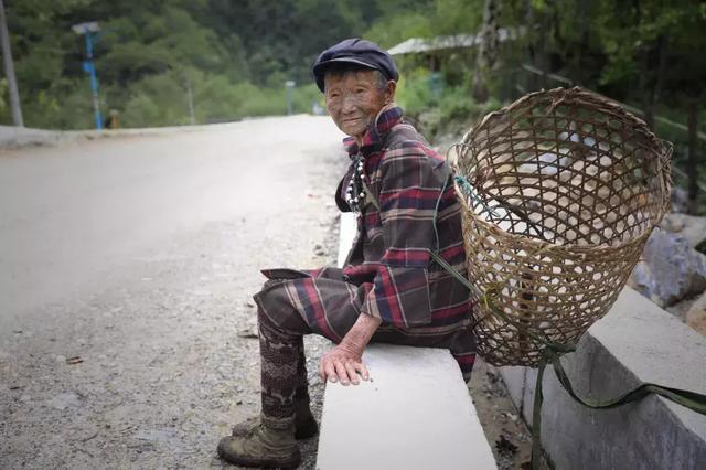 中国人口最少的民族_这些人在中国生活了200多年才获准加入中国国籍,成为中国