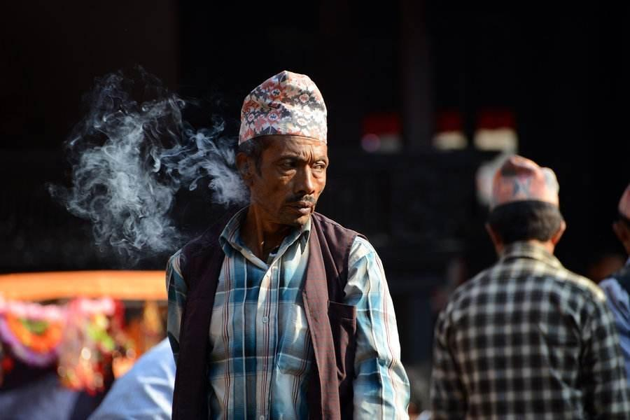 尼泊尔人口_这个地区,面积不足我国一半,但是人口比我国多4亿