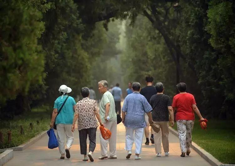 目前我国的人口问题_中国人口日是几月几日?中国人口日有哪些需要关注的人
