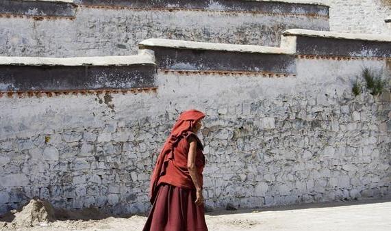 清朝蒙古人口_蒙古国为啥没有内蒙古人口多?清朝的修庙政策,让蒙古人口锐减