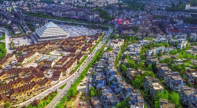 重庆人口_中国五大都市:上海GDP最高,重庆人口最多,深圳人收入最高