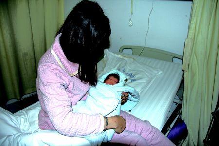 中国各年出生人口_2019中国人口统计数据:2019年新出生人口数量1400万2