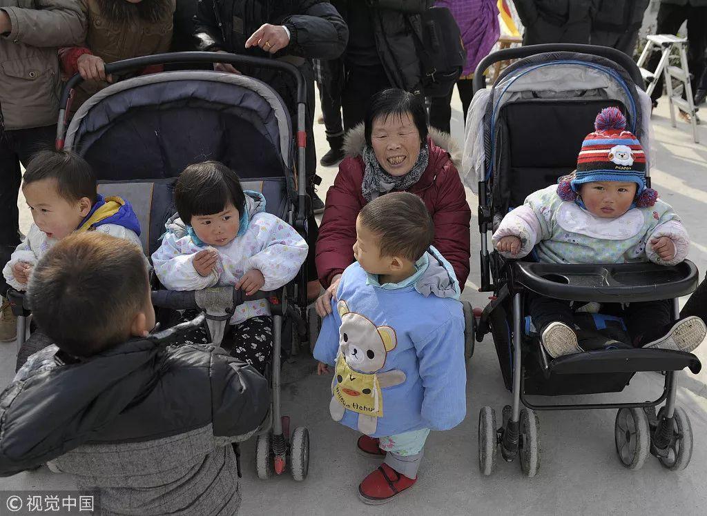 中国人口数据_30年后,中国人口剩余多少亿?专家;这数据让人有些恐慌(2)