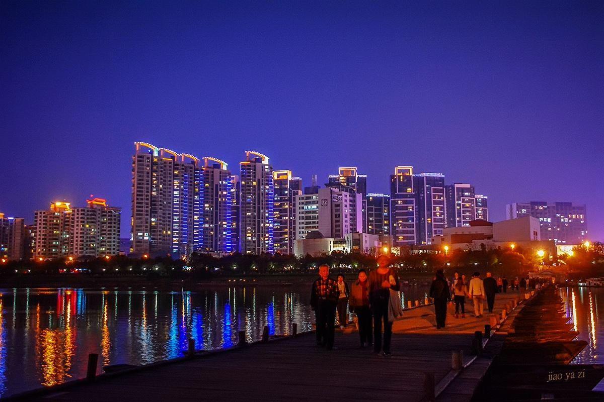 江西省面积和人口_江西最郁闷的一个城市,全省面积最大人口最多,却一直没有