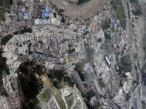汶川地震死亡人口_汶川地震真实照片影像记录512汶川地震死了多少人