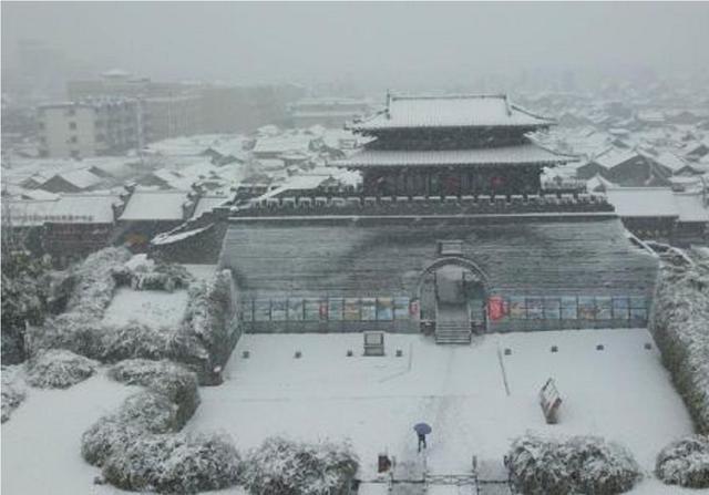 中国历史上人口_新中国史上第二次!北京常住人口连续两年负增长