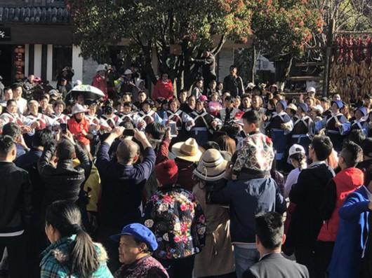 姓景人口数量_11.5万人十一游览重庆洪崖洞景区,人数是去年同期4倍多